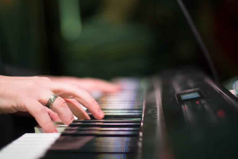 3 טיפים לבחירת פסנתר חשמלי מומלץ